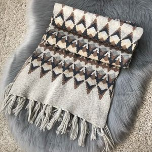 NWOT J. Crew chunky knit reversible scarf